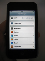 Het instellingenmenu van de iPod Touch: Nederlandstalig.