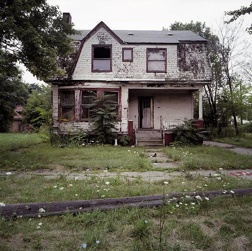 abandoned_house_2
