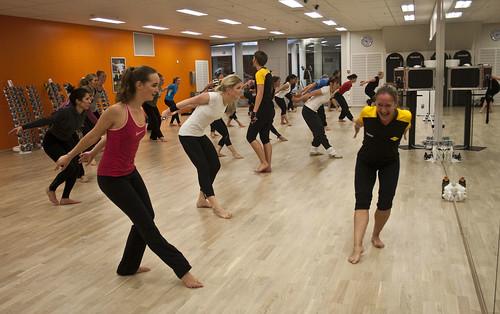 Det er mye trening av holdningsmuskulaturen, noe mange av oss har svært godt av