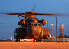 US Navy MH-53E Sea Dragon (dbcnwa) Tags: night lights evening ramp colorado dusk aircraft aviation military ghost navy helicopter coloradosprings seadragon usnavy cos usn jetcenter sikorsky navalaviation aeronautical h53 mh53e coloradospringsairport kcos