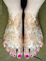 Love Mehndi feet at 12 hrs