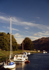 Caledonian Canal at Fort Augustus (emmacuesta) Tags: boats scotland boat highlands scottishhighlands fortaugustus caledoniancanal