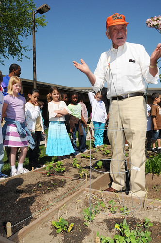 Local farmer and County Commissioner Billy Joe Kepley volunteers his time to teach Thomasville Primary School students the art of farming in their school's garden. The school located in Thomasville, NC, is a HealthierUS School Challenge Gold Award winner and also has a Let's Move program inspired by First Lady Michelle Obama (USDA photo by Debbie Haston-Hilger)