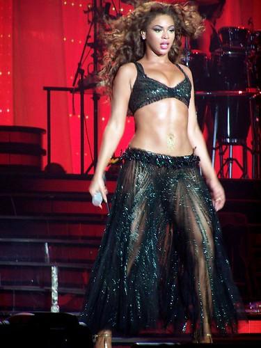 Sexy Singer Beyoncé Experience Tour 020607