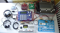 Studio (alienlebarge) Tags: music studio explorer mixer synth korg sound scifi acoustic production midi electronic 1000 headphone musique mpc akai electribe 1402 macki effet elektron machinedrum hd25 nanoloop agg spacebug vlz senheiser eowave spsuw