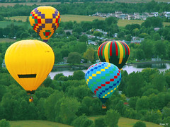 Traffic in the air ! (Nino H) Tags: trees sky canada hot nature colors landscape basket traffic quebec air balloon flight ciel arbres qubec cielo vol paysage vuelo panier haut hight stjeansurrichelieu montgolfires supershot envole mywinners
