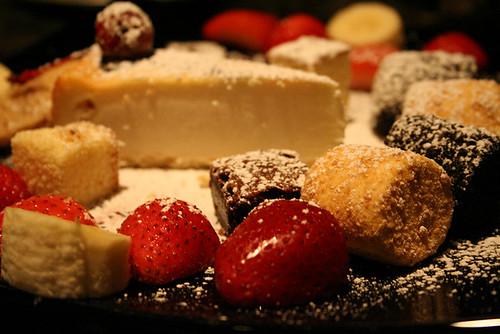 fondue dessert plate