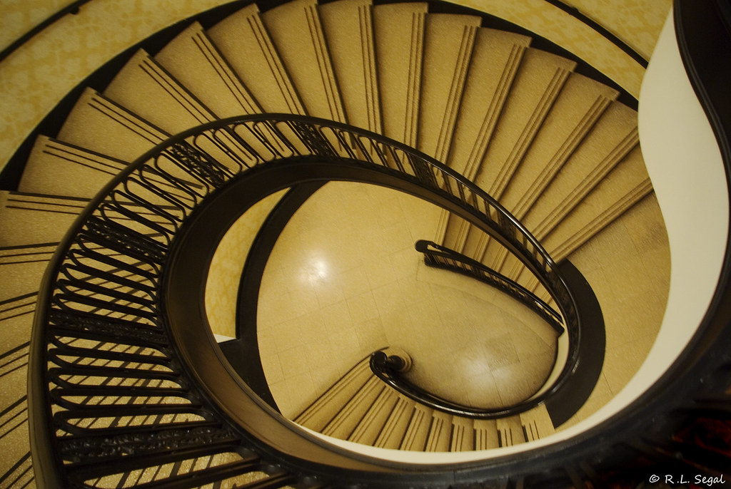 Palmer House Staircase 2 (rjseg1) Tags: Chicago Spiral Stair Potter Hilton  Palmer Staircase