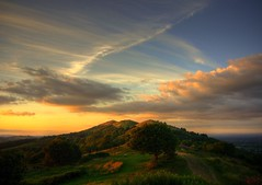 Evening Sky, Malvern (flash of light) Tags: autumn light sunset england sky black tree english clouds landscape geotagged evening searchthebest hill september hills malvern worcestershire beacon soe 2007 blueribbonwinner supershot platinumphoto impressedbeauty geo:lat=5206447 geo:lon=2341611 platinumsuperstar