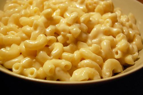 Alicia Silverstone Mac And Cheese