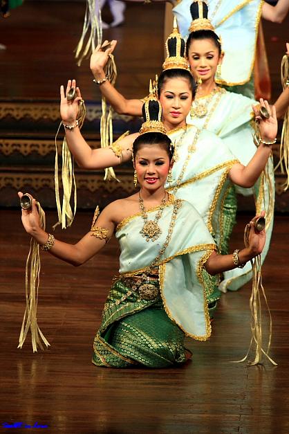 Thai Dance Dance @ Nong Nooch Tropical Garden, Pattaya Thailand