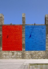 """Pra la caminha"" reedited (trazmumbalde) Tags: blue red portugal colors wall architecture arquitectura bravo europe paint minimal saturation remains moledo challengeyouwinner p1f1"