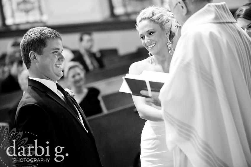 blog-Kansas City wedding photographer-DarbiGPhotography-ShannonBrad-114