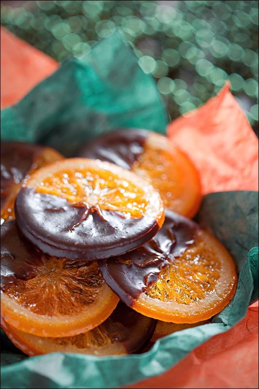 Naranjas confitadas bañadas en chocolate