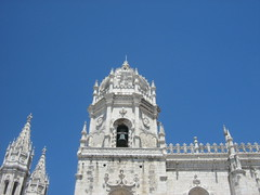 The tower of the bell of the Monastery of Jerónimos - by MagdaMontemor