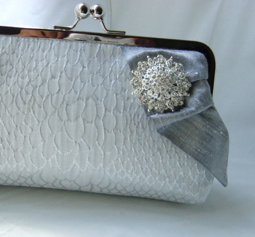 Josephine - elegant clutch lined in silk