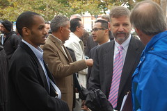 USDOTs Roy Kienitz chats with members of the community.