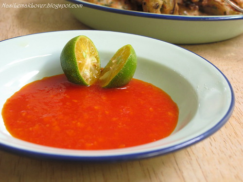 Homemade sweet garlic chili dipping sauce