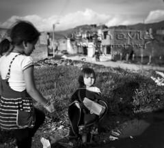 Que haces? (Kali Knot) Tags: bw southamerica canon colombia child bn boyaca boyac aquitania colombianos 450d canon450d canonistas canonxsi julianlavila
