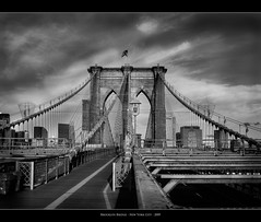 Brooklyn Bridge (Sebastian (sibbiblue)) Tags: bridge blackandwhite bw usa ny newyork brooklyn canon manhattan brooklynbridge schwarzweiss filmgrain filmnoise filmsimulation