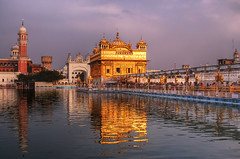 Sunset at the Golden Temple Amritsar (msdstefan) Tags: pictures trip travel vacation india lake gold asia asien pics urlaub nikond50 best holy sikh punjab reflexion pilger indien amritsar nicest goldentemple heilig pilgrims platinumheartaward sdasien flickrestrellas 100commentgroup oltusfotos tripleniceshot flickraward5 mygearandmepremium mygearandmebronze mygearandmesilver mygearandmegold mygearandmeplatinum mygearandmediamond