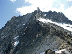 Upper section of the snowfield on Dragontails  SW side.