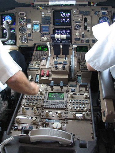 Parts of the cockpit - airplane - AviationKnowledge
