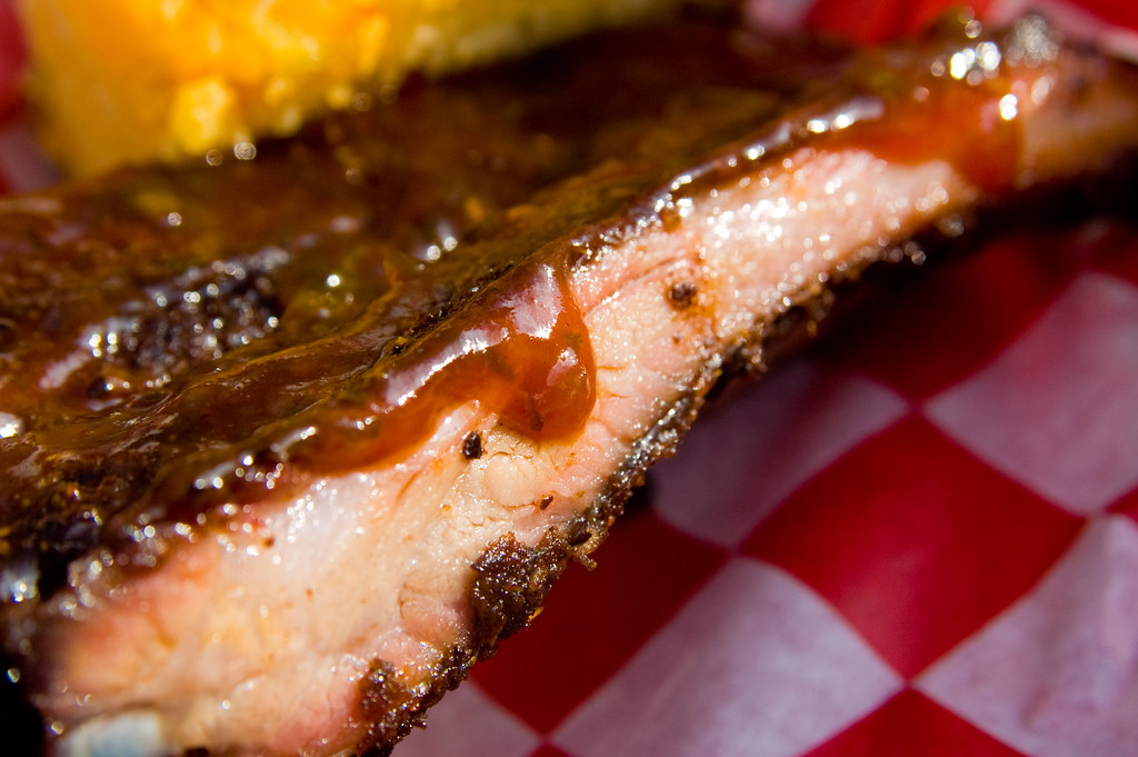 Jalapeño Jerk Baby Back Ribs with Pineapple Barbecue Sauce