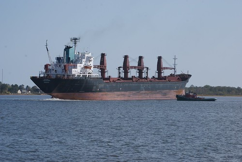 M/V Tuscarora with tug assistance