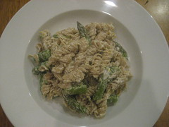 Pasta with asparagus, chevre, and lemon