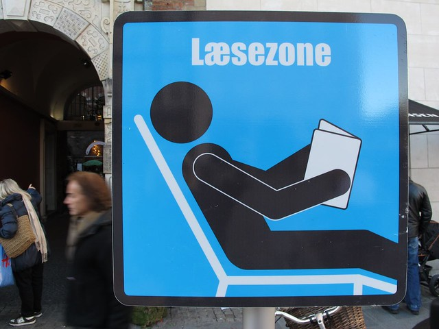 Reading zone sign