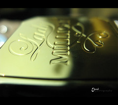 d o    (3    d ) Tags: macro closeup lady canon perfume million    3houd ohoud