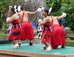 Dancers of Tonga (IamRender) Tags: hawaii islands oahu centre center dancer hawaiian cultural tonga polynesian