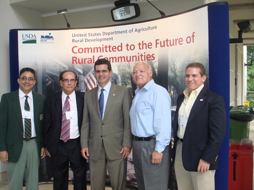 (left to right) Pablo Cruz, USDA Forest Service Supervisor, Juan Ortiz-Serbiá, USDA Farm Service Puerto Rico Director and Chair of the Puerto Rico FAC, Hon Pedro Pierluissi, Resident Commissioner of Puerto Rico in the U.S. Congress, Hon. José Gonzalez, Mayor of the Municipality of Luquillo, and José Otero-García, USDA Rural Development State Director for Puerto Rico.