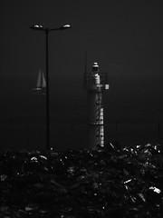 ゴミ 灯台 ヨット