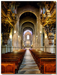 20070602_Braga_se_interior (vmribeiro.net) Tags: portugal church geotagged catedral sé igreja braga superhearts 402ininterestingnesson20070820 geo:lat=41549973 geo:lon=8427259