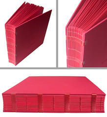 "lbum de fotos ou ""big red book"" (Zoopress studio) Tags: red paper notebook book stitch handmade album feitomo artesanal craft books sketchbook fabric handboundbook livro papel livros bookbinding limitededition concertina sketchbooks photoalbum caderno handmadebook papercraft notebooks lbum reliure tecido imadeitmyself costura papeterie handmadebooks papercrafting handboundbooks encadernao redpaper uniquebooks encuadernacion zoopress lbuns linenthread encuadernacin zoopressstudio exposedsewing handmadephotoalbum costuraexposta linhadelinho stealingisbadkarma zoopressdesign"