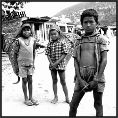 Child Labour (Nepal) (Osvaldo_Zoom) Tags: nepal kids youth rural blackwhite triptych labour childlabour 500x500 thegardenofzen 240x240 winner500 explorecoolpix7900 pocketmuseum bw500 childrenbestphotos