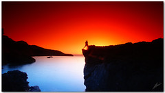 red blue and silhouette (chris frick) Tags: sunset sea clouds rocks exposure dusk wideangle filter nd nophotoshop mallorca tobacco mediterraneansea cokin straightoutofthecamera gnd originalcolours modelmartina chrisfrick bensdavall sonyalpha550 redblueandsilhouette