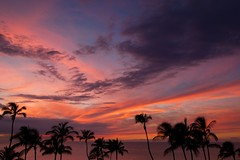 Aloha Sun (Ken'sKam) Tags: sunset sky cloud seascape night clouds palms hawaii day cloudy palmtrees bigisland kohala waikoloa