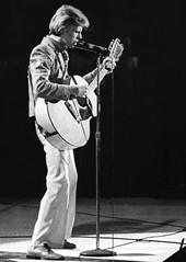 David Bowie, Wash. DC (1974) (Hunter-Desportes) Tags: blackandwhite 35mm bowie dc washington concert tour live soul davidbowie youngamericans capitalcentre