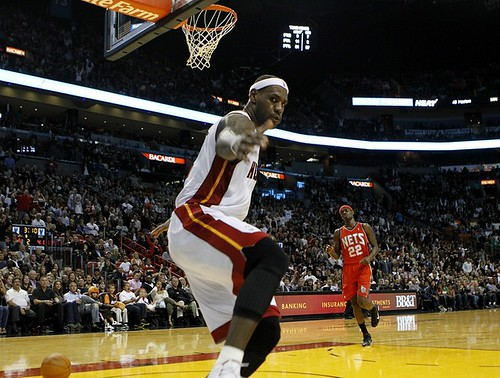 lebron james dunking heat. Lebron James Dunk Sequence (5)