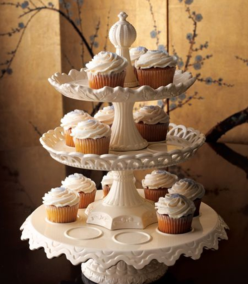I found this gorgeous Horchow cupcake stand thru Hostess with the Mostess
