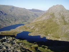 Tryfan, Llyn Bochlwyd and Lyn Ogwen from Y Gribin Ridge (SuperPieMen) Tags: snowdonia tryfan northwales llynogwen