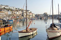 Mevagissey: A Cornish Fishing Town (Roger's Photos59) Tags: sea boats coast landscapes fishing cornwall scenic harbours mevagissey goldenglobe aplusphoto ilovemypic cornishharbours rogersphotos59 showmeyourqualitypixels qualitypixels vanagram