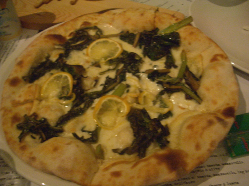 Pizza Cicoria with chicory, piave and lemon
