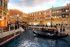 venetian-macau gondola rides