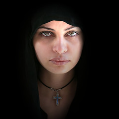 (HORIZON) Tags: portrait woman eye face portraits persian eyes women bravo faces iran horizon persia portraiture iranian theface peoplepix blueribbonwinner supershot magicdonkey selectedasthebest spselection fivestarsgallery abigfave ultimateshot superbmasterpiece goldenphotographer