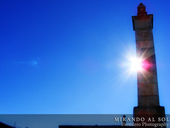 Mirando Al Sol (Looking Into The Sun) (#47 Project Music Vs. Photo) (Heredero 3.0) Tags: blue sky espaa sun sol azul spain sunny cielo fujifilm 2010 s5700
