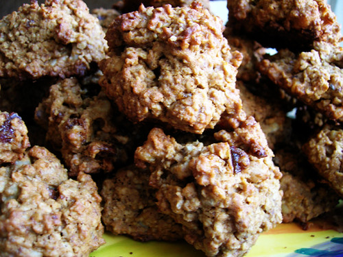 date nut oatmeal cookies